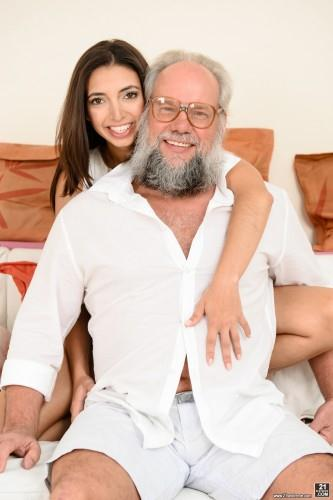 Frida Sante, Albert - Teen loves Grandpa (15.05.2016) [SD/544p/MP4/381 MB]