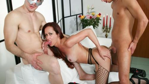 Tranny wants to have fun with two guys [HD, 720p] - Shemale
