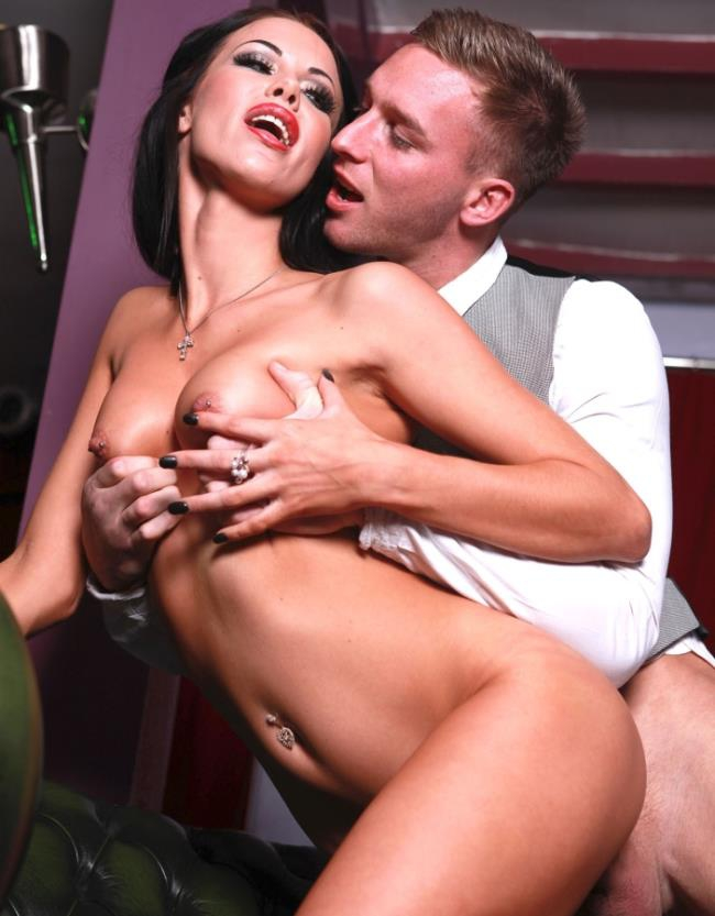Private: Megan Coxxx - Receptionist Megan Coxxx Has A Body To Die For  [HD 720p]  (Big Tits)