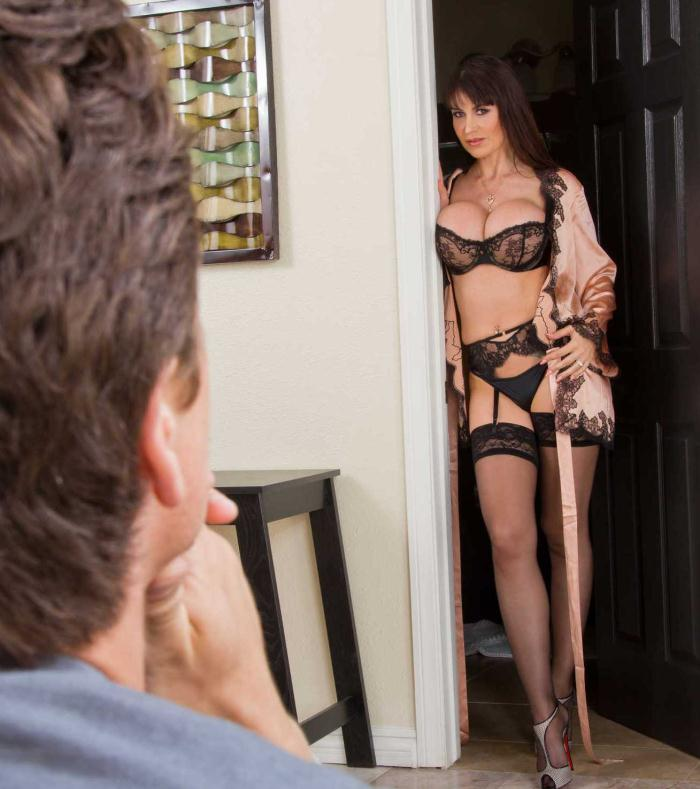Hot Mom - Eva Karera - Big Fake Tits  [HD 720p]