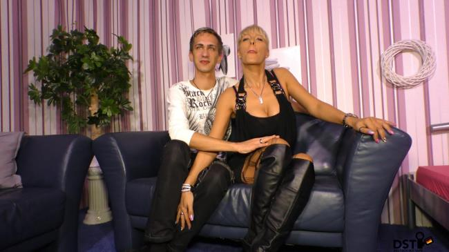 Sextape Germany: Lana Vegas - German amateur couple offers sex tape with blonde German MILF being banged (HD/2016)
