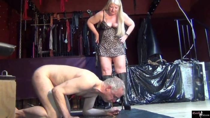 New Dutch-slaves, bottled for the first time, with shit and piss - Femdom (Scat Porn) FullHD 1080p