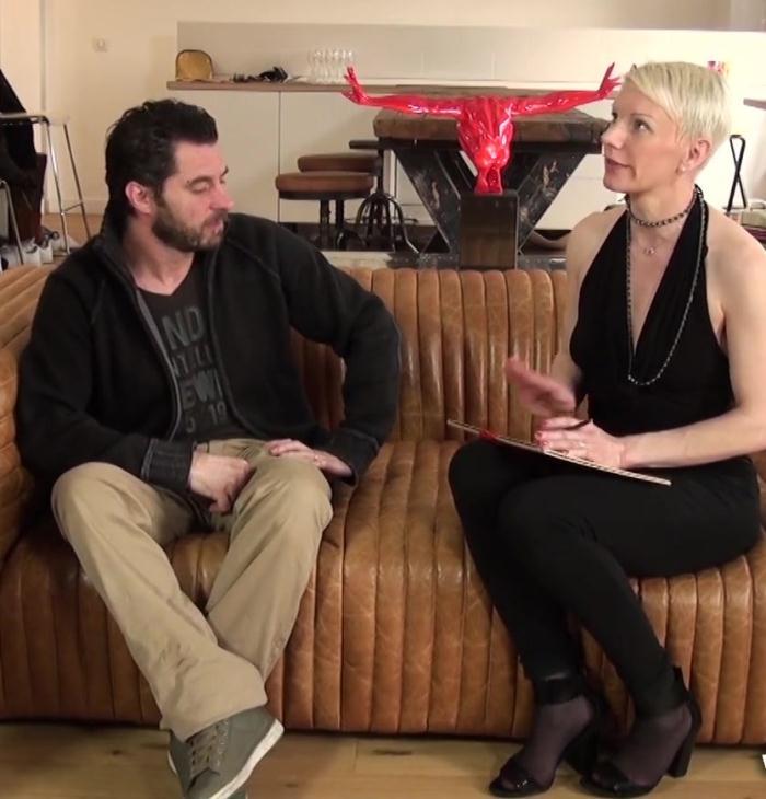 JacquieEtMichelTV - Mia [Mia, une cougar folle de sodomie!] (FullHD 1080p)