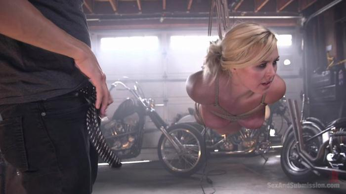 Xander Corvus and Summer Day (BDSM) [HD, 720p]