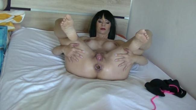 SCHEISS - Bikini - Amateur Solo (Scat Porn) FullHD 1080p