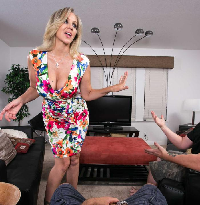Virtual Reality - Julia Ann - Big Fake Tits  [UltraHD/Samsung Gear VR 1440p]