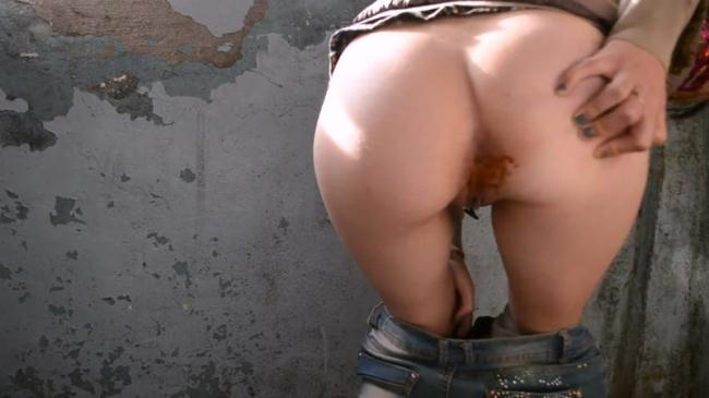 Shit on a construction site, a dirty ass - Solo (Scat Porn) FullHD 1080p