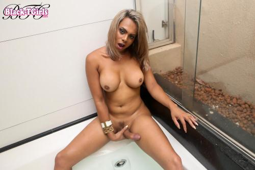 Geovana de Castro Cums By The Hottub! [HD, 720p] [Bl4ck-TG1rls.com] - Shemale
