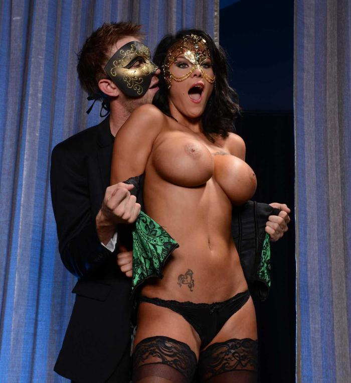 Brazzers - Peta Jensen [Our Little Masquerade] (HD 720p)