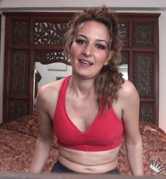 Fakings: Sandra Maestre - Soy Sandra: masajista deportiva, ninfomana y con ganas de presentarme!!. Os apetece catar mis manos?  [HD 720p] (856 MiB)