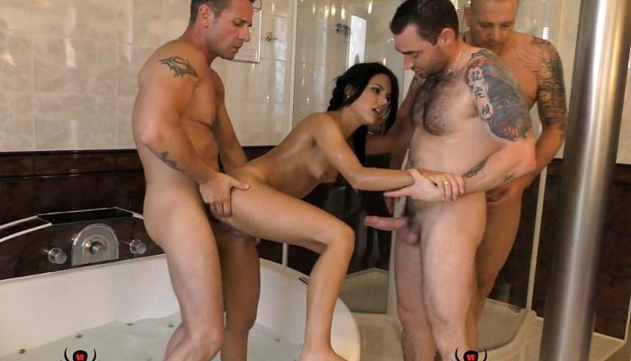 Apolonia Lapiedra - Hard - In hot tub with 3 men (2016) [FullHD/1080p/mp4/978 MB] by Marik