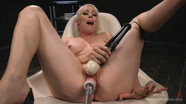 Blonde Goddess is Double Penetrated with Machines!! (Fuck1ngM4ch1n3s) HD 720p