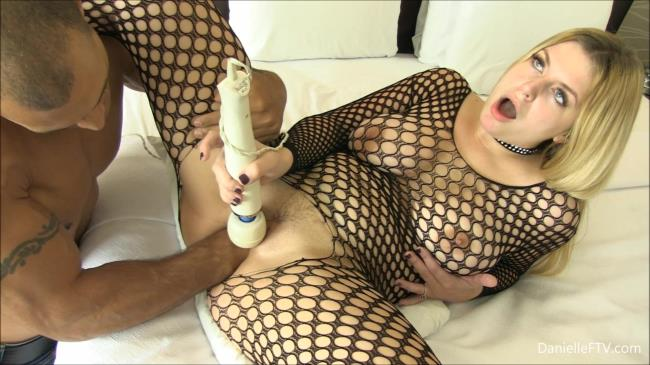 Extreme Insertion: Danielle - Slutty Danielle gets first time man fisting (FullHD/2016)