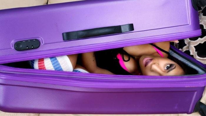 D1g1t4lPl4ygr0und.com - Nicole Bexley - Black Girl in a Suitcase (Teen) [SD, 480p]