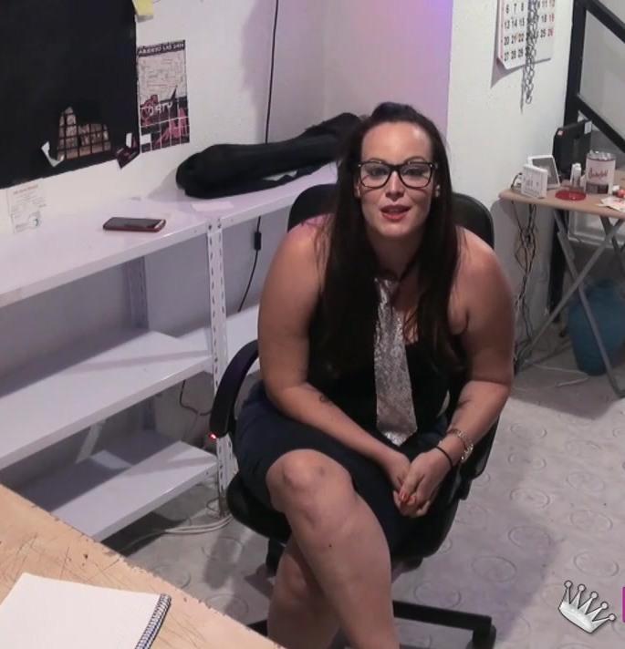 Fakings: Bimba Rux - Soy ninfomana, vivo para el sexo y quiero dedicarme al porno. Soy Bimba y ESTOY CACHONDA.  [HD 720p] (726 MiB)