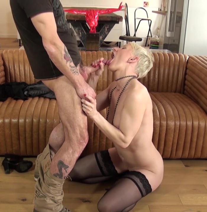 JacquieEtMichelTV - Mia [Mia, une cougar folle de sodomie!] (HD 720p)