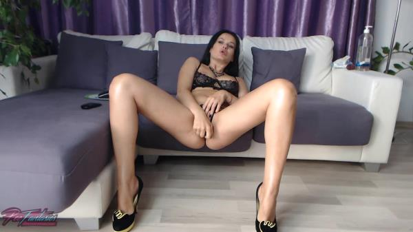 Wet heaven: Eva - PeeFantasies 720p