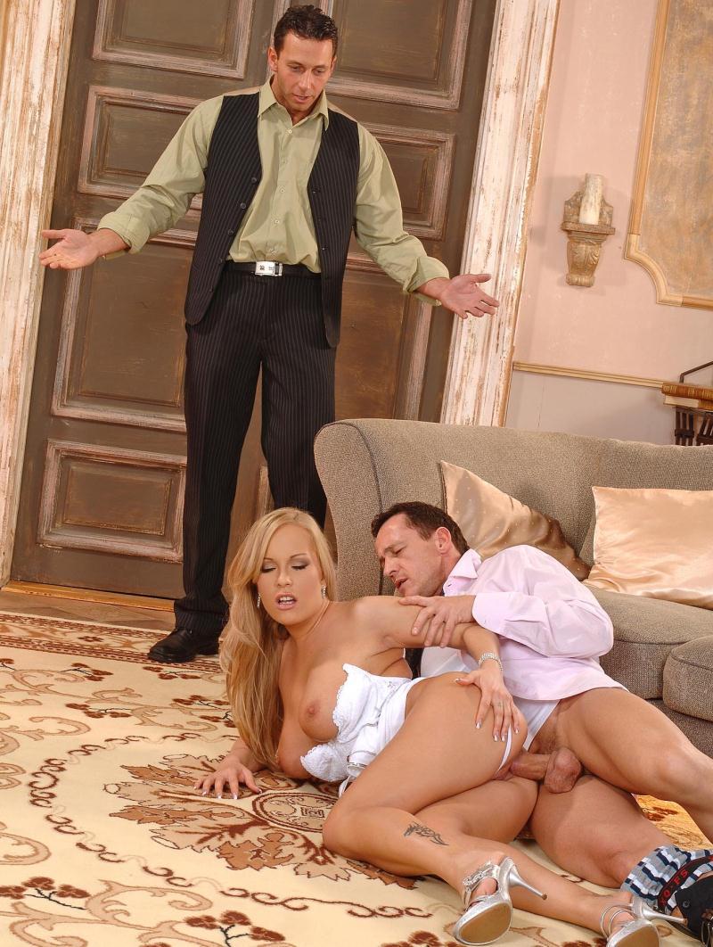 любовницей онлайн мужа жена застукала с порно