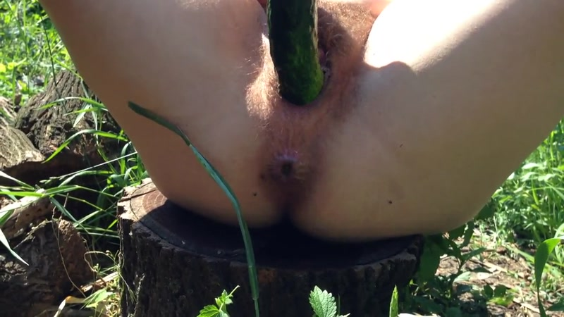 Huge Cucumber fucks me - Outdoor Solo (SCAT / 20 July 2016) [FullHD]