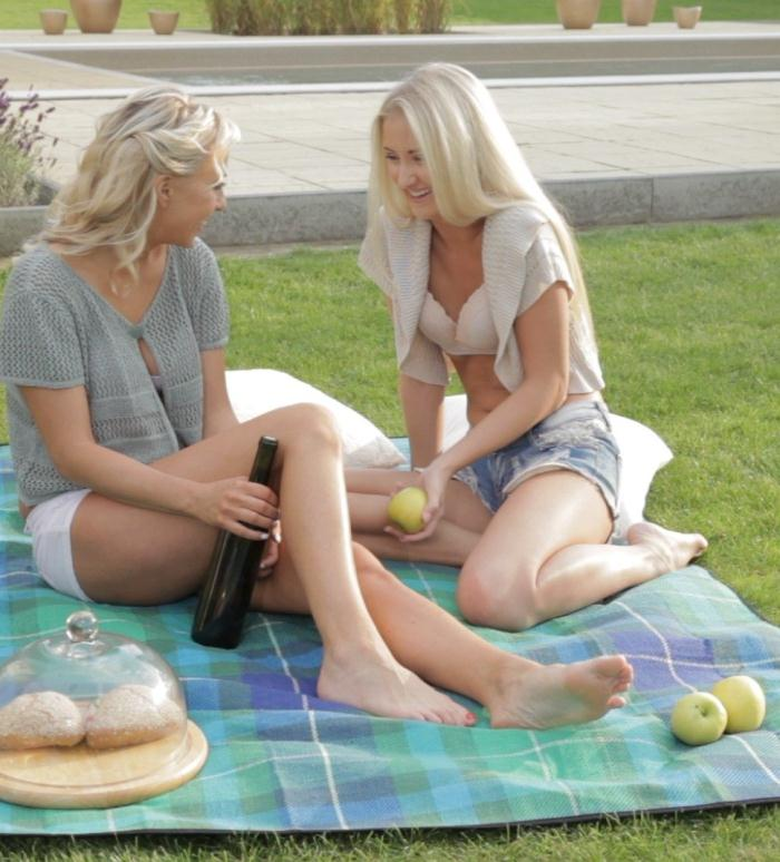 PornDoePremium - Cayla Lyons, Carla Cox [Two European blonde angels on a lesbian picnic] (HD 480p)