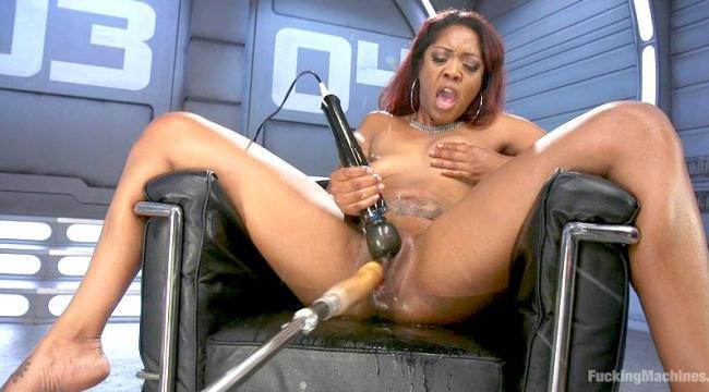 Ebony Squirt Slut Soaks Fucking Machines with Her Cum Love (Fuck1ngM4ch1n3s) HD 720p