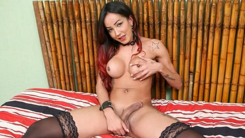 Thays Maclayne Masturbates! (Jul 12, 2016) [Shemale.xxx / HD]