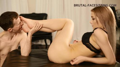 Brutal-Facesitting.com [Mistress Olivia - Pussy Worship And Lick] HD, 720p