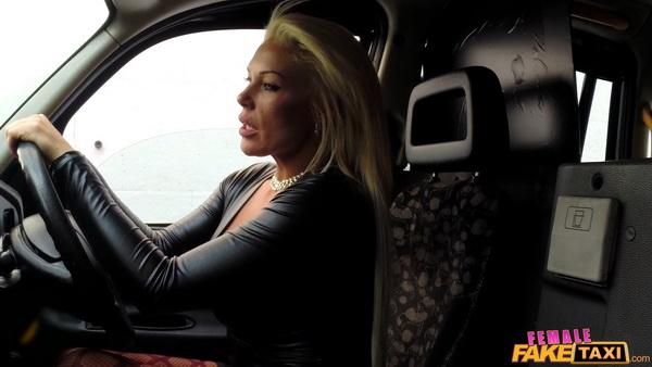 Big Black Cock Makes Cabbie Cum - Aaliyah Ca Pelle [FemaleFakeTaxi/480p]