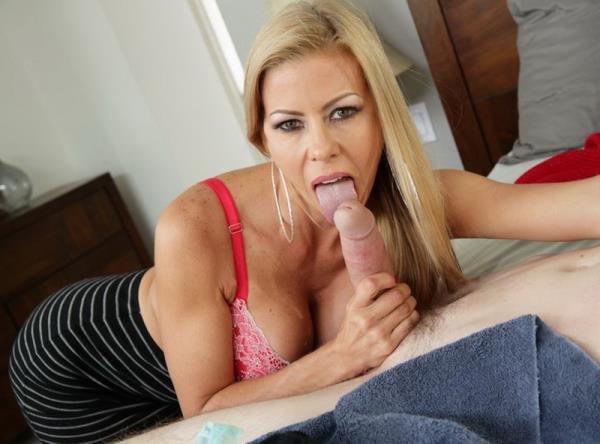 MommyBlowsBest.com - Alexis Fawx - Caught Sniffing Her Panties [SD 480p]