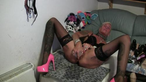 Scat [Germany - My most extreme KV video ever part 2 - orgasm - squirt - Solo] FullHD, 1080p