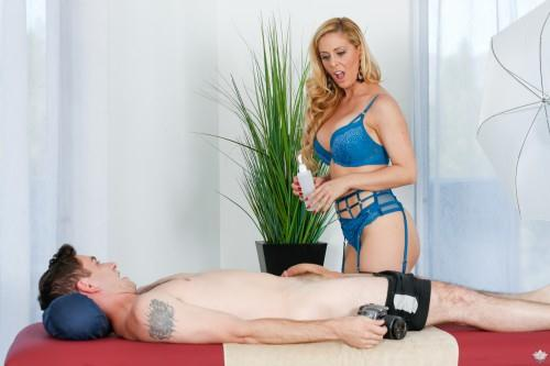 F4nt4syM4ss4g3.com - Cherie DeVille, Brad Knight - Pose For Me Mommy (Massage) [SD, 544p]