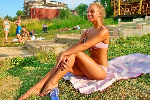 Sveta - Beach Girl Sveta (2010/SD)