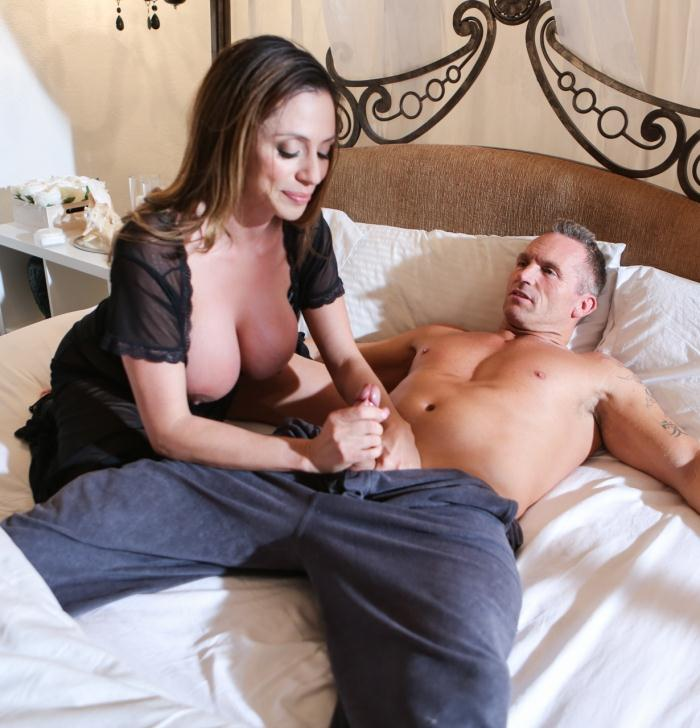 SweetSinner: Ariella Ferrera - Mom And Dad Settle Their Daughters Dispute  [SD 544p]  (MILF)
