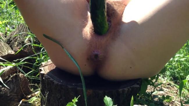 Huge Cucumber fucks me - Outdoor Solo (Scat Porn) FullHD 1080p