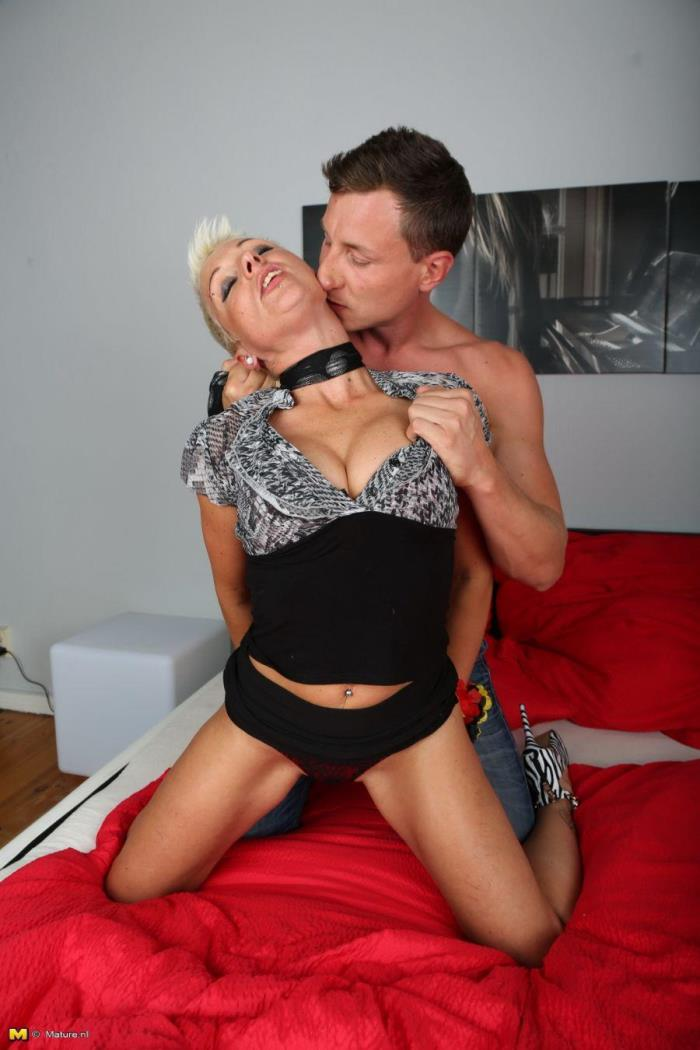 Mandy S. (EU) (42) - German housewife fucking and sucking [HD 720p] Mature.nl