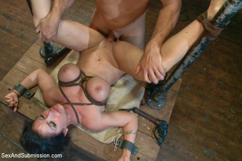 S3x4ndSubm1ss10n.com: Shay Fox and Ramon Nomar - MILF SUBMISSION [SD] (494 MB)