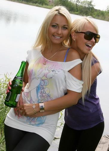 Lioness и Amiee - By the lake with two blondes (2010 г./SD)