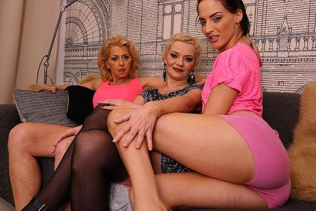 Rina M. (53), Simone O. (48), Kailee (22) [Old-and-Young-Lesbians, Mature.nl / HD]