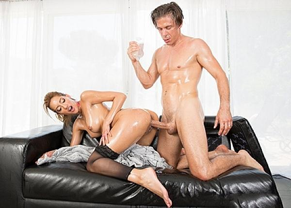 Chloe Amour Is Pure Love Drenched In Oil [SD] (301 MB)