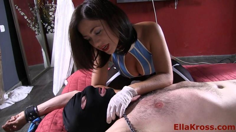 Molesting My Slave's Mouth with a Strap-On! [FullHD] (412 MB)
