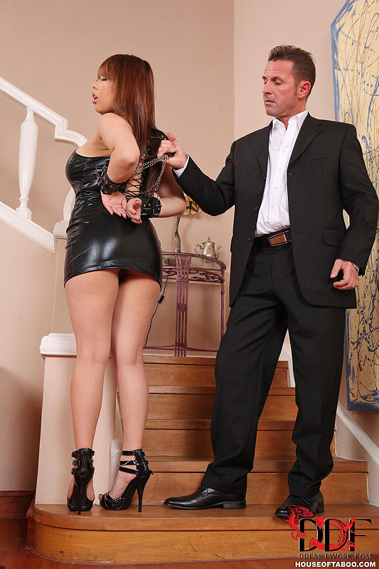 HouseOfTaboo: Tigerr Benson - She Does Whatever He Wants! [FullHD 1080p]