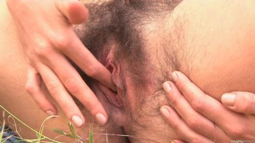 Unshaven Beauty Katie Zucchini [FullHD, 1080p] [NaughtyNatural.com] - Hairy
