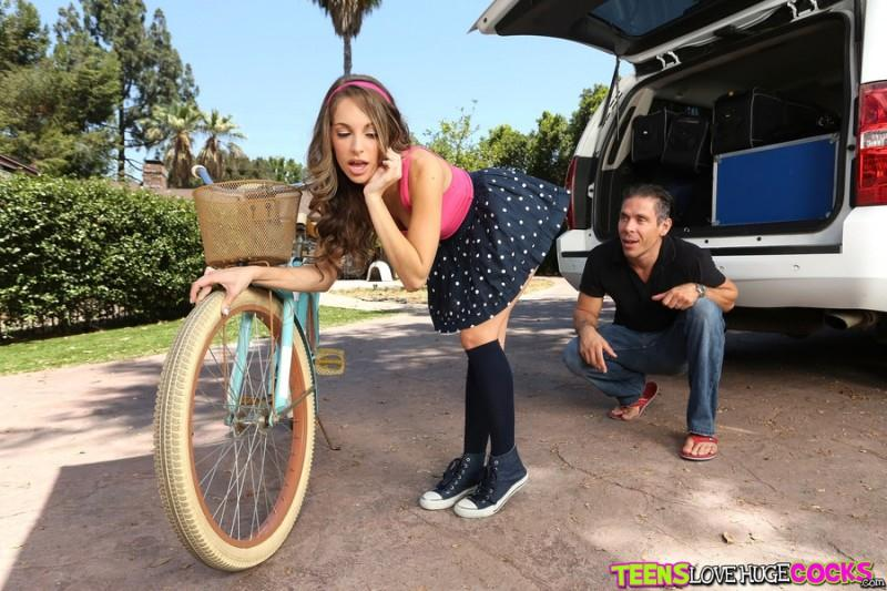 Kimmy Granger - Sexy Teen on Bike [SD] (354 MB)