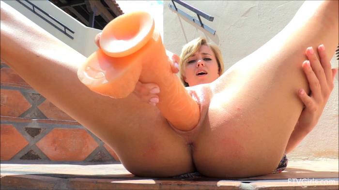 Haley - Young Haley fucks herself large dildo [FullHD 1080p] Extreme Insertion