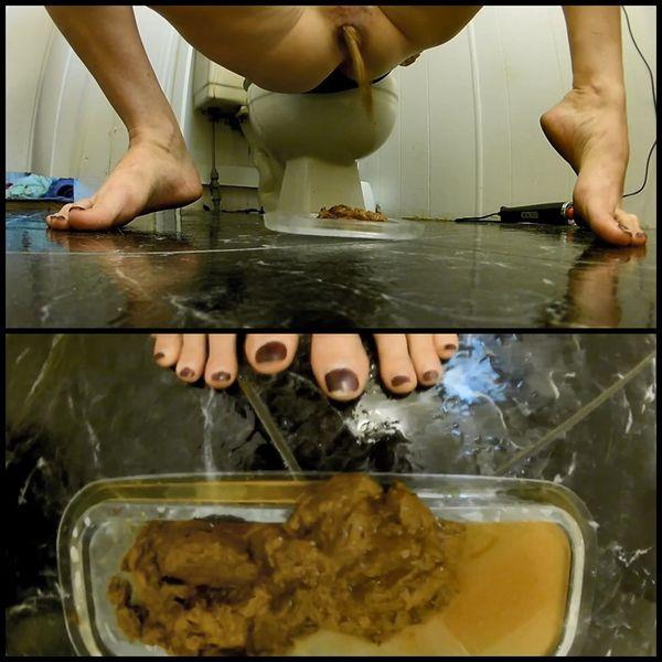 Scat Video: Amateur - NEW!!! (29.08.2016) Foot View Velvet Mini Dress Poop Instructions (FullHD/2016)