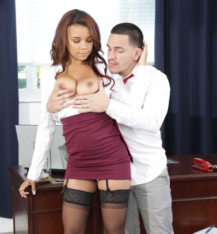 Office Porn - Raven Redmond - Big Natural Tits  [HD 720p]