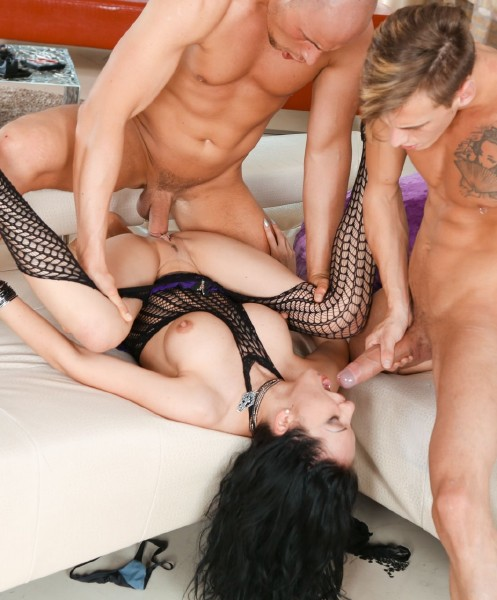 Rocco Porn - Amalia Patricia, Chris Diamond, Figi - Amalia Dominated In Double-Dicking [SD 544p]