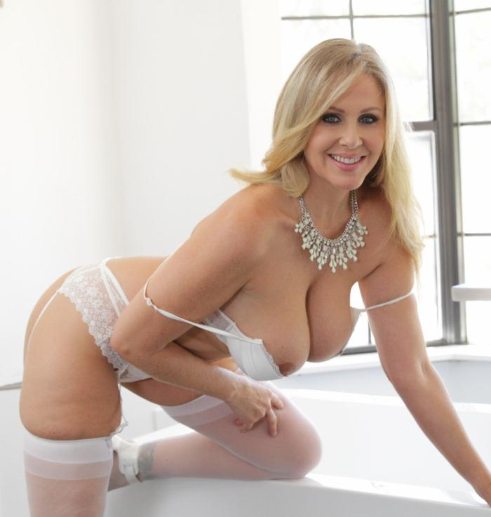 PureMature.com - Julia Ann - Pampered Passion  [HD 720p]