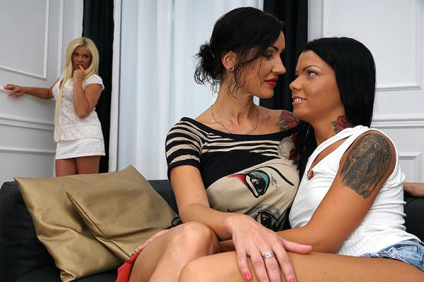 Natalya E. (38), Krista E. (43), Gia (20) - 3 Old And Young Lesbians Playing With Eachother  (Mature.nl/HD/720p/842 MiB) from Rapidgator