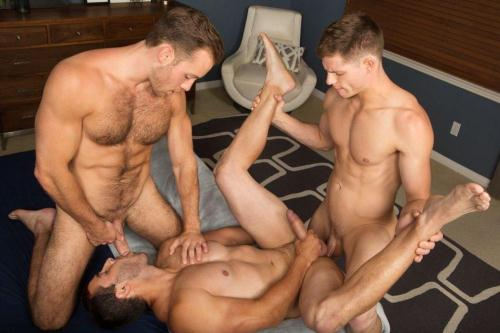 Bareback Threeway with Randy, Dean & Cory [HD, 720p] - Gay